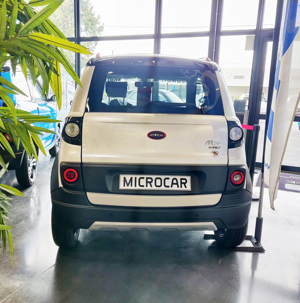 Voiture sans permis Microcar M.Go X Blanche - Arrière