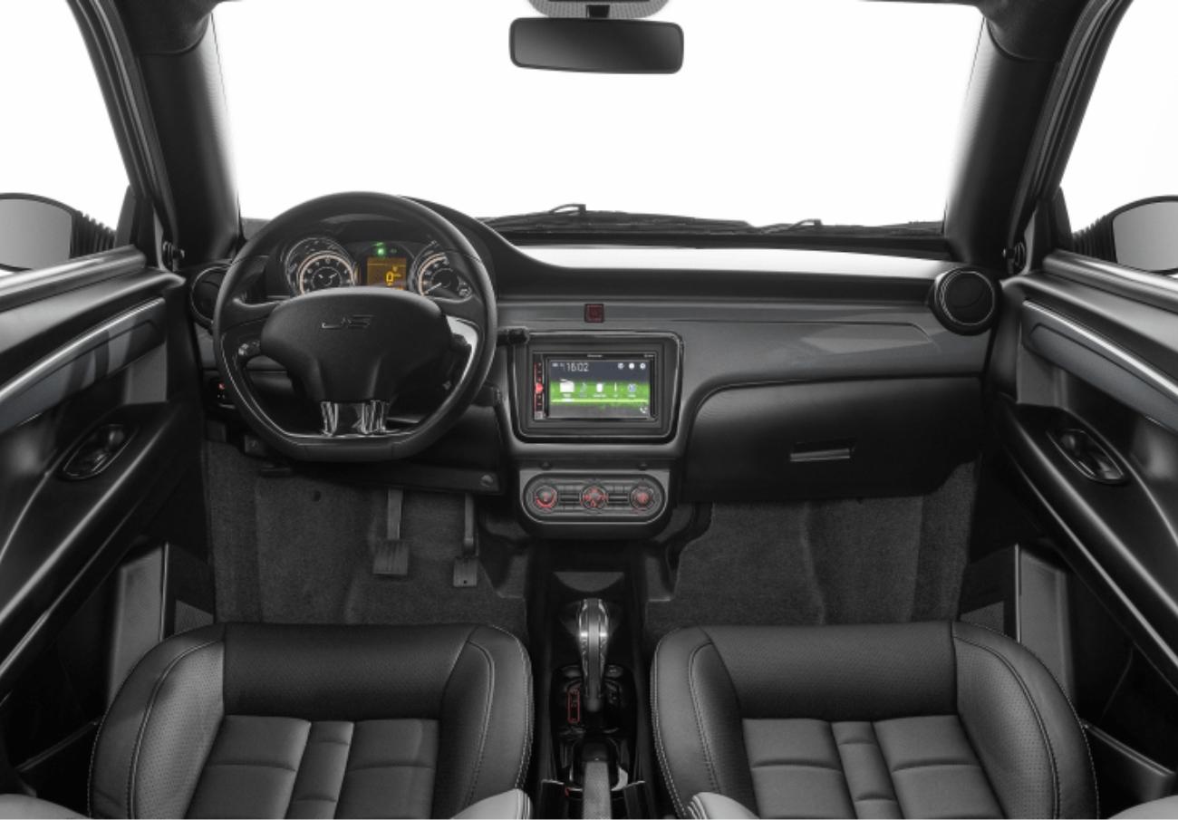 Ligier JS60 chic intérieur